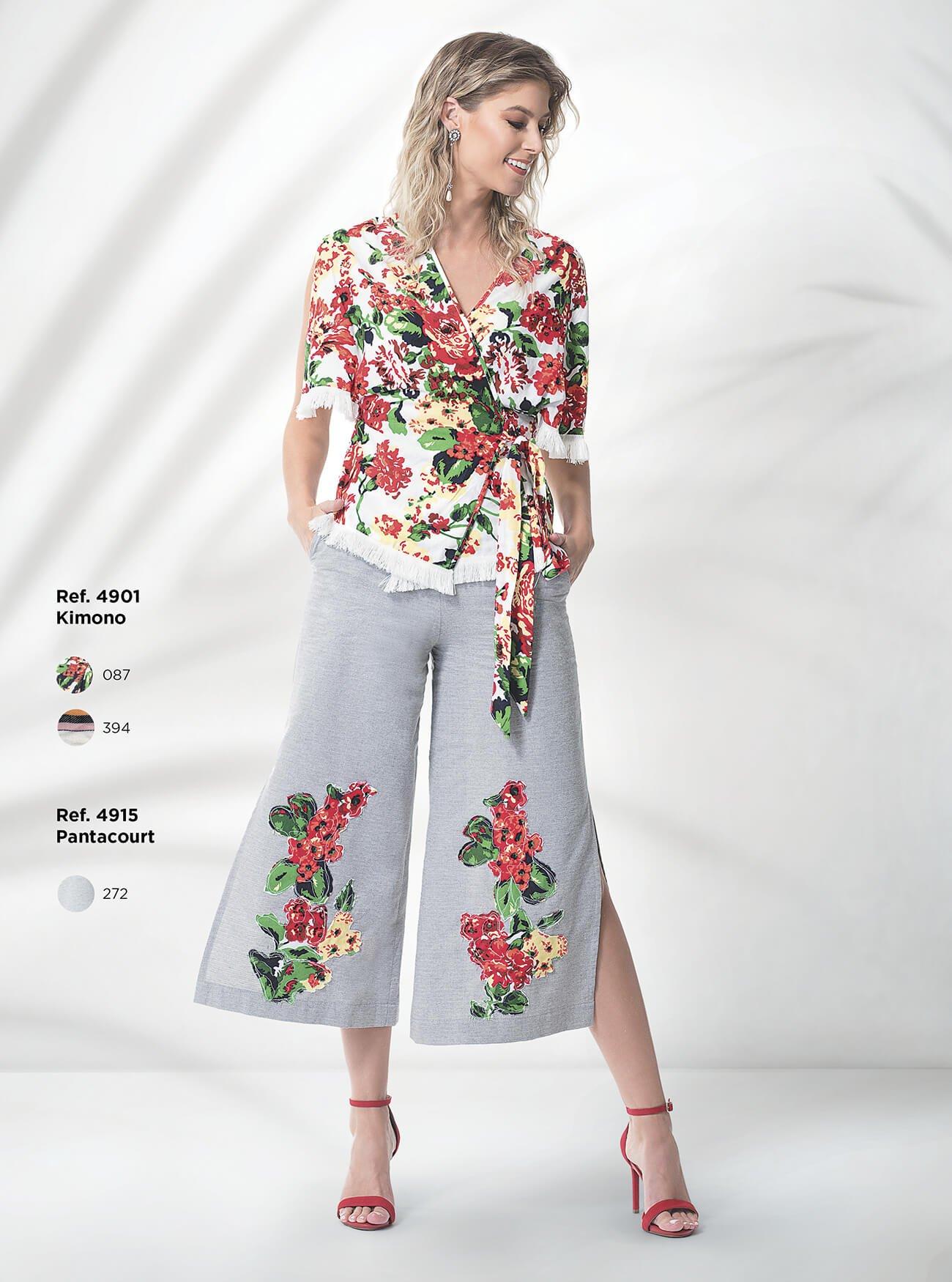 Kimono estampado | Calça pantacourt com aplicação de tecido estampado