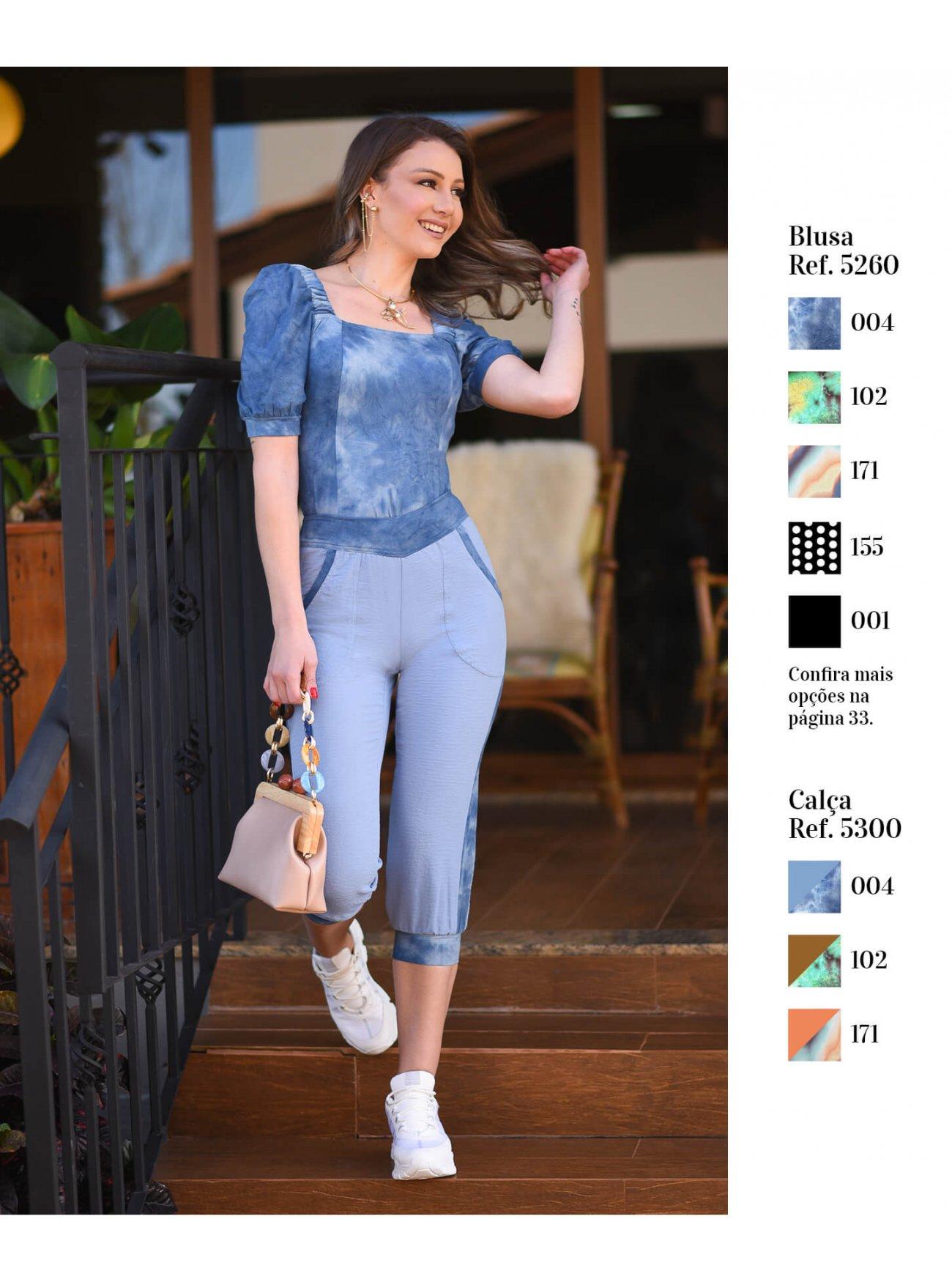 Blusa com decote quadrado e mangas bufantes | Calça cropped com detalhes em tye-die