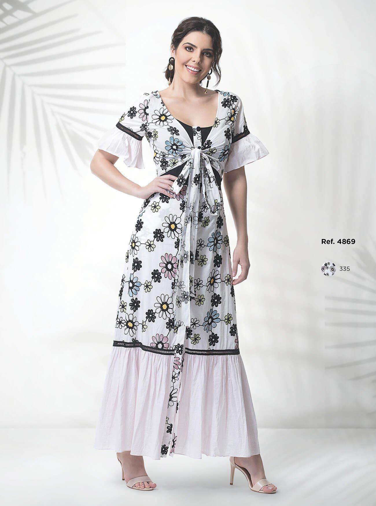 Vestido floral com detalhe de amarração