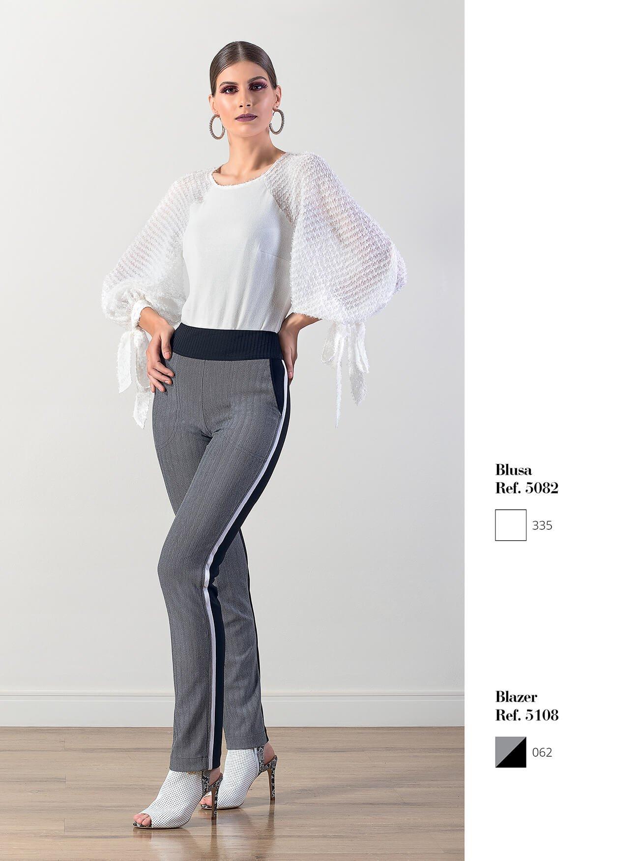 Blusa manga bufante com amarração | Calça dois tons