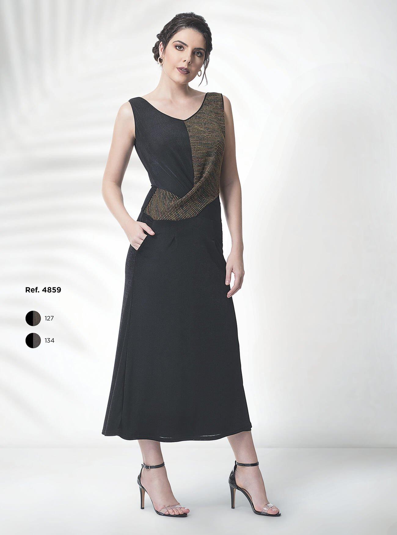 Vestido midi de malha com detalhe transpassado