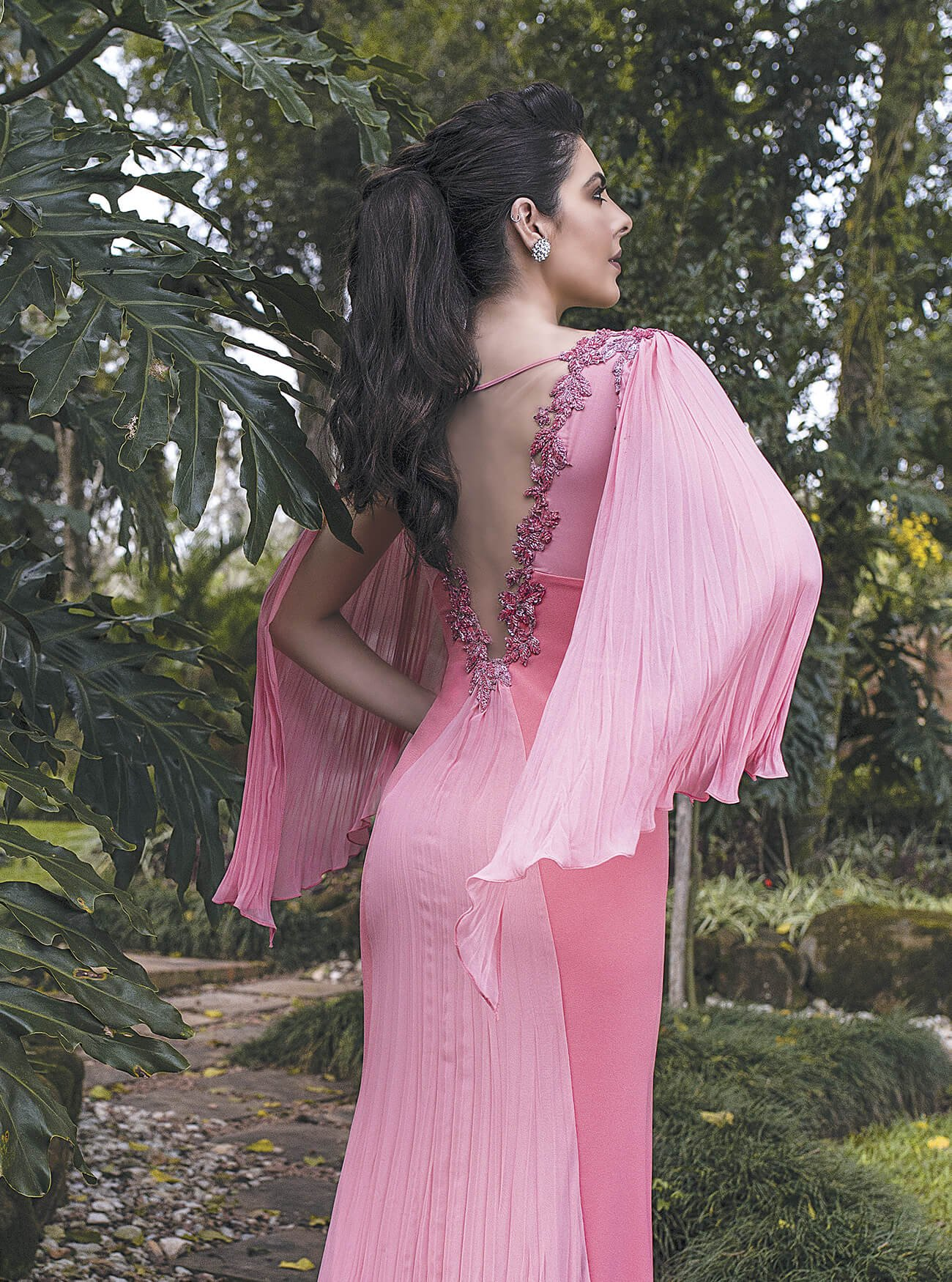 Vestido longo sereia com mangas amplas