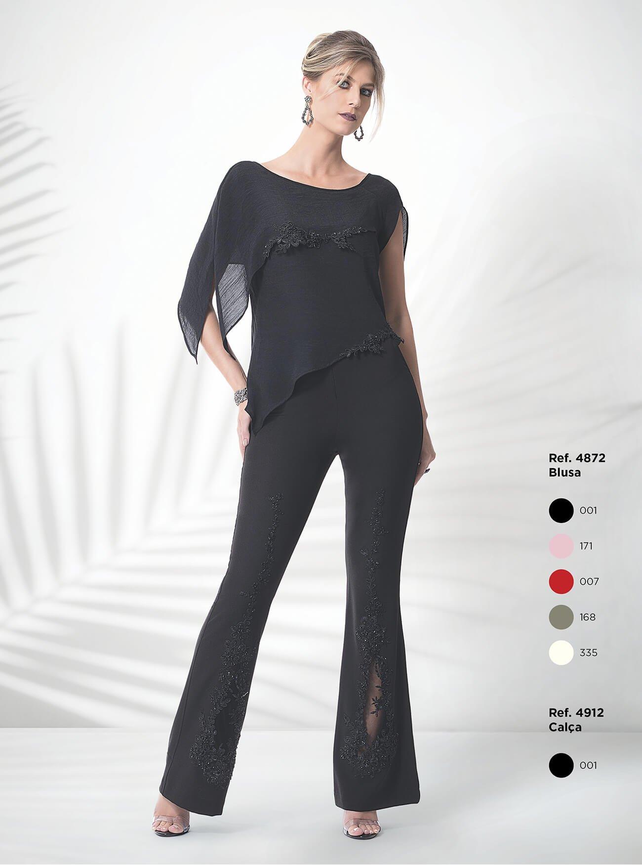 Blusa assimétrica | Calça flare com transparência e bordados