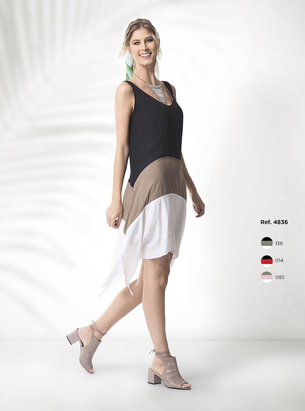 Vestido curto com 3 cores e detalhe com pontas